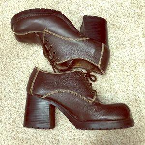 Vintage 90's Zodiac Platforms Leather Shoes